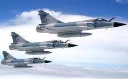 """Ấn Độ mua khẩn cấp hơn 300 tên lửa: Sẵn sàng """"nghênh chiến"""" Trung Quốc!"""