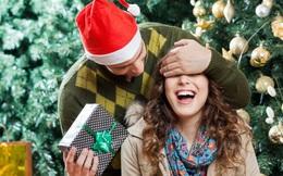 Nhận quà Giáng sinh, cô gái bất ngờ phát hiện ra bí mật động trời mẹ giấu kín 30 năm
