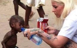 Cậu bé da đen 2 tuổi không có quần áo mặc, bị bỏ đói đến gầy trơ xương trong bức ảnh từng gây chấn động thế giới bây giờ ra sao?