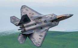 """""""Chiêu"""" bất ngờ từ Nga khiến F-22, F-35 của Mỹ khốn đốn vì nhiễu loạn"""