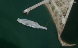 Căng thẳng với Mỹ, Iran sửa tàu sân bay giả để tập bắn?