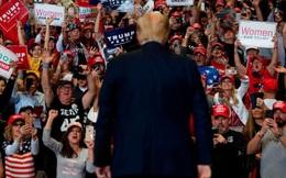 Bang đầu tiên Tổng thống Trump 'chọn mặt gửi vàng' tái khởi động tranh cử