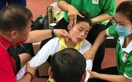 """Nhà vô địch SEA Games """"bò lê"""" sau khi chạy và phải đi cấp cứu tại giải đấu đầu tiên sau kỳ nghỉ dịch Covid-19"""