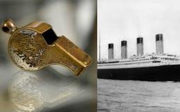 Cận cảnh chiếc còi của sĩ quan tàu Titanic có giá gần 100 triệu đồng