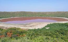 Chuyên gia đau đầu vì hồ nước 50.000 năm tuổi ở Ấn Độ biến thành màu hồng một cách bí ẩn