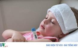11 mẹo hạ sốt cho trẻ ngay tại nhà
