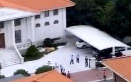 Tỷ phú số 6 Trung Quốc bị nhóm bắt cóc mang thuốc nổ khống chế, con trai bơi qua sông cầu cứu cảnh sát