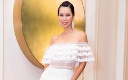 Siêu mẫu Hà Anh khoe vai trần gợi cảm khi đi sự kiện