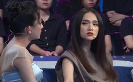 Cô gái chuyển giới ngồi khóc trước cửa nhà Hương Giang đúng ngày mùng 1 Tết