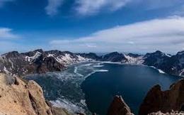 Video: Cận cảnh hồ miệng núi lửa cao nhất thế giới tan băng