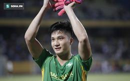 Cựu thủ môn điển trai của U23 VN ghi điểm mạnh với HLV Park, nối dài kỷ lục khó tin ở V.League