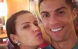 """Chị gái Ronaldo công khai """"phản đòn"""" cực gắt khi cứng kiến cậu em trai bị ông thầy ở Juventus chỉ trích"""