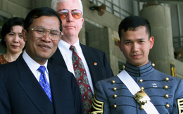 Bị tố chuyển quyền lực cho con, ông Hun Sen tuyên bố thẳng việc đào tạo tướng Hun Manet kế nghiệp