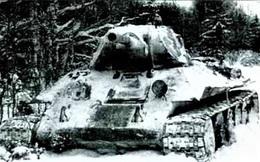 Cuộc chiến không cân sức 13 ngày của 2 chiến sĩ trên xe tăng bị sa lầy