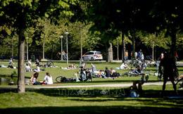 Nguy cơ châu Âu tái bùng phát dịch COVID-19 vì người dân đi tránh nóng