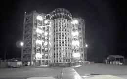 Cảnh tượng bồn chứa nhiên liệu của một quả tên lửa bị thổi tung trông như thế nào?