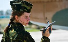 Ngắm những 'bông hồng' Nga lái máy bay chiến đấu