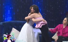 Văn Mai Hương bất ngờ trở lại gameshow, ôm chầm lấy học trò cũ Khánh Thi vì đồng cảm
