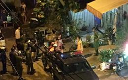 Hỗn chiến kinh hoàng lúc rạng sáng ở Sài Gòn, 1 người bị chém gần lìa tay, 4 người khác bị thương