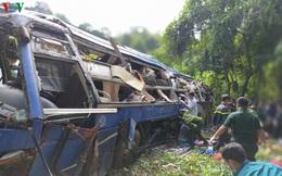 Hiện trường xe khách lao xuống vực làm ít nhất 5 người chết ở Kon Tum