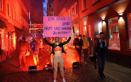 Gái mại dâm Đức biểu tình đòi đi làm dù lệnh cấm Covid-19 vẫn hiệu lực