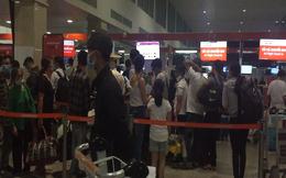 VIDEO: Sân bay Tân Sơn Nhất đang sửa đường băng 25R/07L