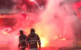 """Nhìn lại """"biển lửa"""" do CĐV Hải Phòng từng tạo ra trên sân Hàng Đẫy, năm nay BTC phải nhờ cảnh sát hình sự vào cuộc"""