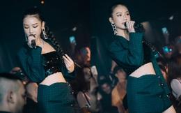Hình ảnh gợi cảm của AMEE khi chạy show tại Sài Gòn