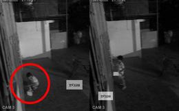9 giờ tối thấy có người gõ cửa nhưng không dám mở, chủ nhà check camera thì thấy cảnh bất ngờ