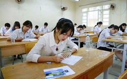 Sáng nay, gần 90.000 thí sinh thi vào lớp 10 tại Hà Nội làm thủ tục dự thi