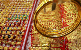 Thế giới đầy xáo trộn, vàng SJC tiếp tục tăng giá