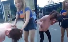 Xôn xao clip cô gái trẻ bị đôi nam nữ đánh tới tấp giữa đường