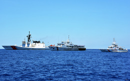 Chuyên gia Trung Quốc lo Mỹ đưa tàu tuần duyên đến biển Đông