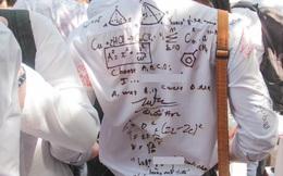 Viết lưu bút lên áo xưa rồi, phải viết cả công thức hoá học, toán học, bài trắc nghiệm tiếng Anh mới chất!
