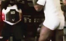 """Võ sĩ huyền thoại Mike Tyson tung cú đấm """"chết chóc"""" ở tuổi 54"""