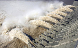TQ: Nước lũ ở đập Tam Hiệp vượt cảnh báo 12m, ông Tập triệu tập họp khẩn