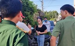Nhóm người Trung Quốc chạy tán loạn khi bị kiểm tra: Đang được cách ly y tế, có 2 người bị sốt