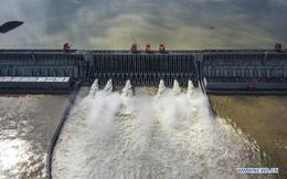 Nước dâng cao kỷ lục từ khi xây đập Tam Hiệp: Hồng thủy Trường Giang Số 2 khủng khiếp thế nào?