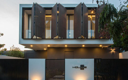 Ngôi nhà 230 m2 với phần quan trọng nhất là khu bếp và mảnh vườn nhỏ