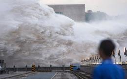 """Hàng trăm nghìn tấn nước bốc hơi và hiện tượng """"sông trời"""" khiến cả Nhật Bản lẫn Trung Quốc chìm trong nước"""