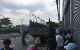 Thanh niên cầm lái xe máy tử nạn sau cú tông mạnh vào đuôi ô tô tải đang dừng đỗ