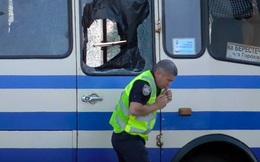 Tổng thống Ukraine giải cứu con tin trên xe buýt bằng Facebook