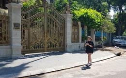 Cận cảnh biệt thự đô thị mẫu Hà Nội 'đua nhau' thay cây xanh, lát vỉa hè sai quy hoạch