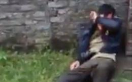 Cảnh dân làng đánh đập kẻ trộm chó ở Việt Nam lên báo Anh khiến nhiều người rùng mình
