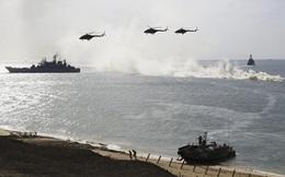 """Máy bay, tàu chiến Nga nhận lệnh xuất kích """"rầm rập"""" ở Crimea"""