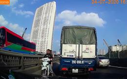 """2 cô gái khiến các phương tiện chạy trên đường Vành Đai 3 chiều thứ Sáu """"toát mồ hôi lạnh"""""""