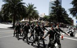 Nhân viên gấp rút rời lãnh sự quán Mỹ tại Thành Đô trước hạn chót