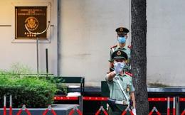 Căng thẳng Mỹ-Trung: Quốc kỳ Mỹ ở Lãnh sự quán Thành Đô đã bị hạ xuống