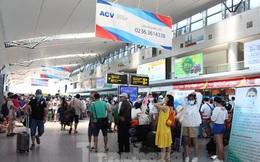 Các hãng hàng không bay thâu đêm đưa khách rời khỏi Đà Nẵng