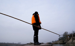 """Cấm đánh cá, khiến hàng vạn lao động """"bơ vơ"""": Liệu TQ có thể """"hồi sinh"""" sông Dương Tử thành công?"""